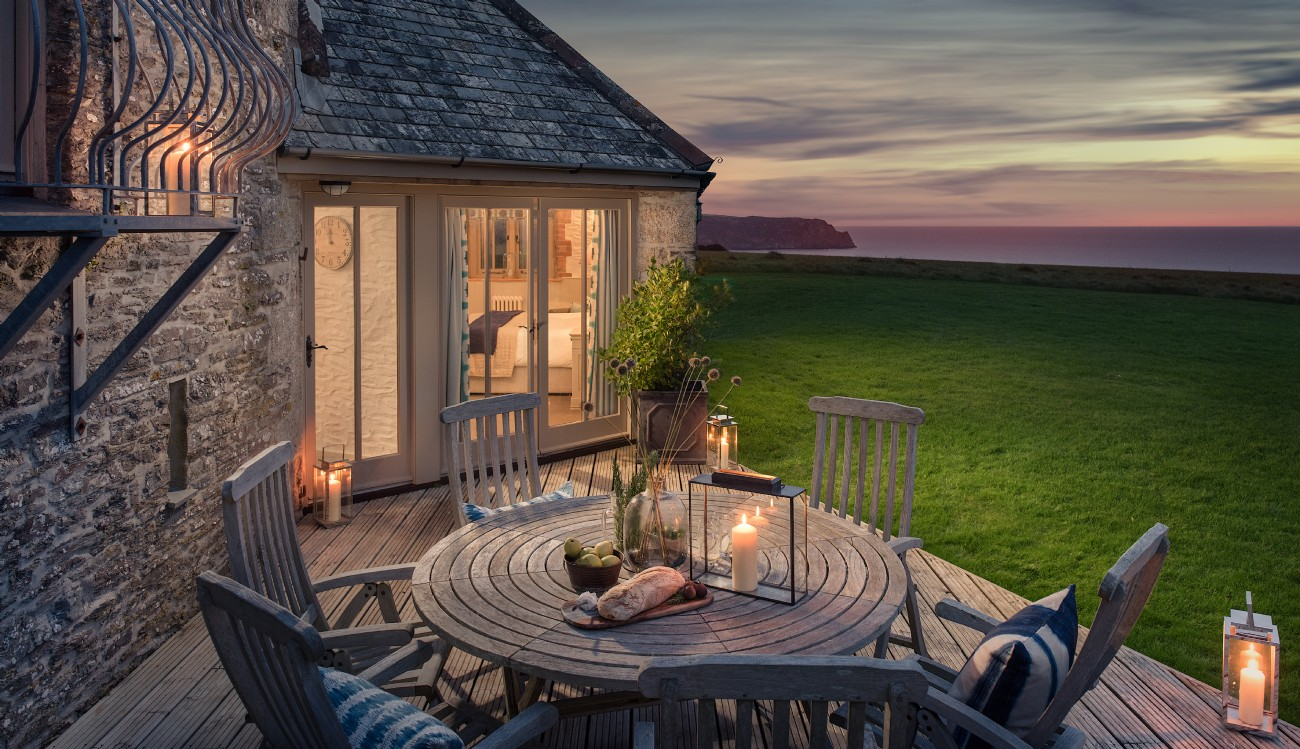 St Mawes luxury self-catering coastal barn with Sea views