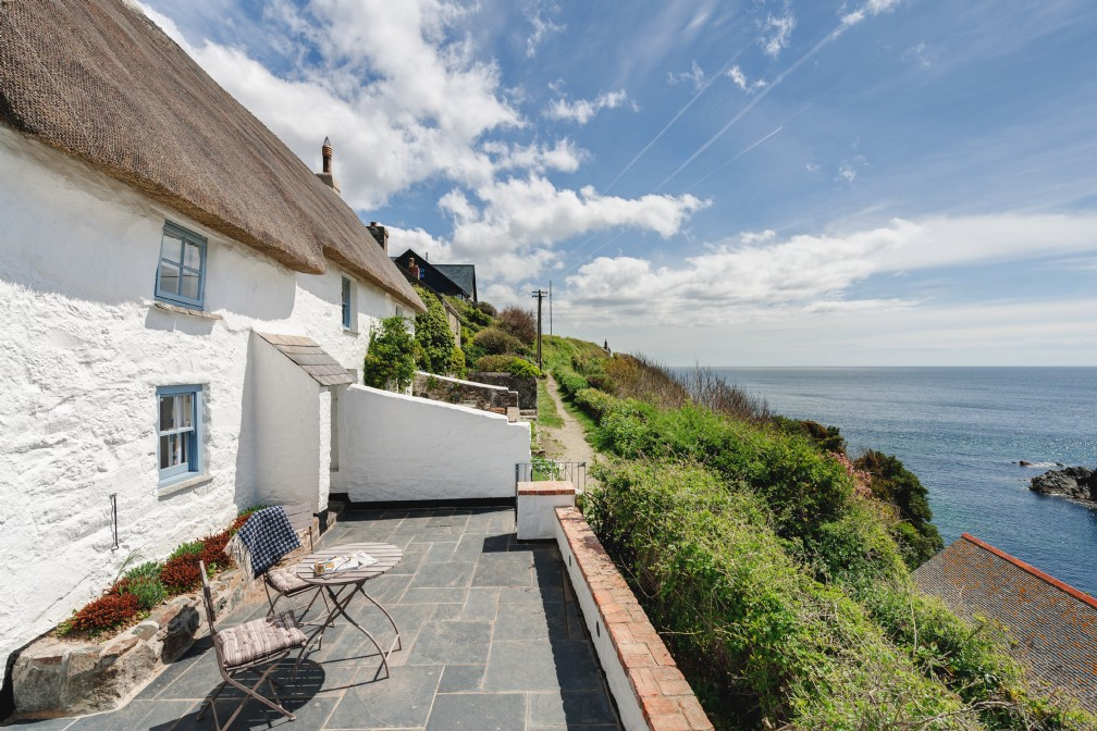 The Sea Rose | Luxury Coastal Cottage | Cadgwith Cove, Lizard