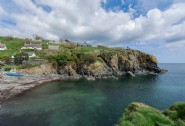 The Sea Rose sits within the fishing village of Cadgwith Cove