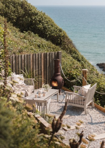 Luxury self-catering beach hut, Whitsand Bay