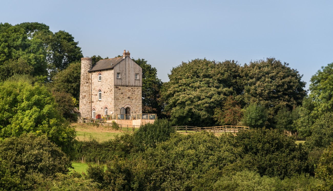 Luxury Self-Catering Engine House with Hot Tub in Cornwall