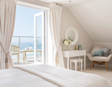Luxury coastal self-catering Portreath, cornwall