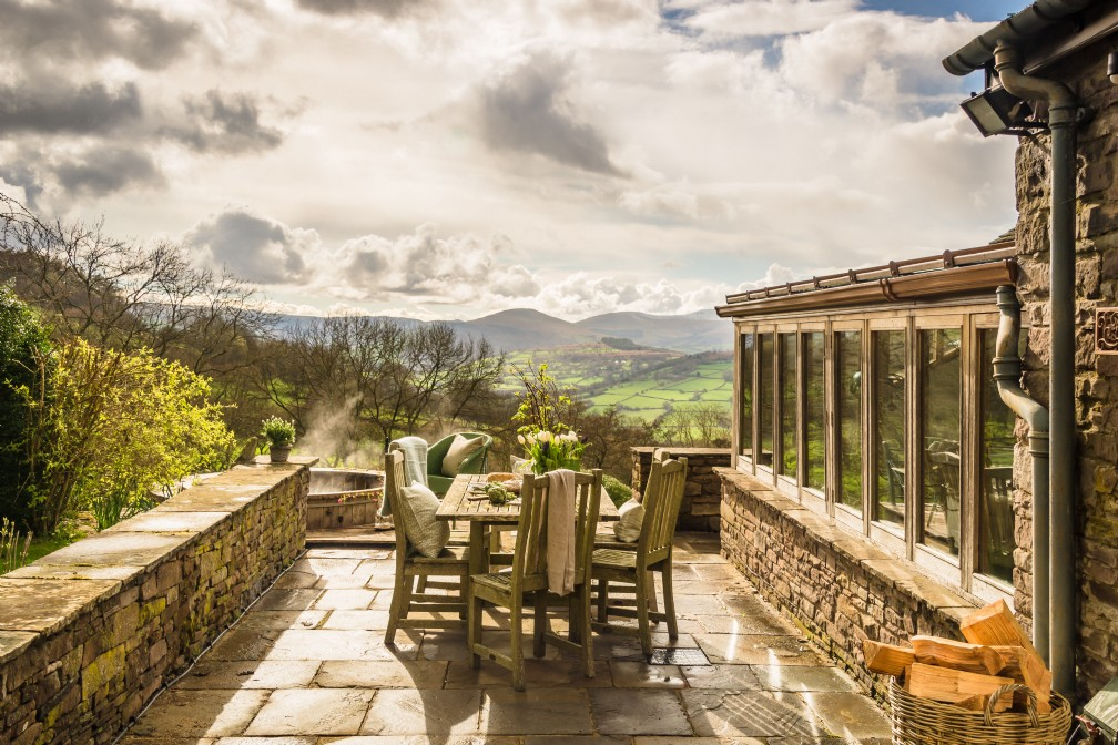 The Wilds | Luxury Self-Catering Home | Crickhowell, Beacons