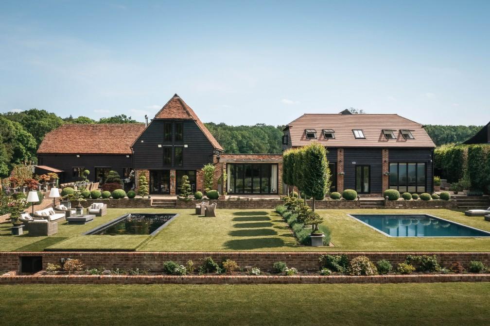 The Zen Garden | Luxury Self-Catering Kentish Barn | High Weald