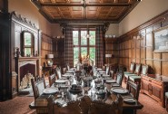 Dine together in Thornemead Castle´s grand dining room