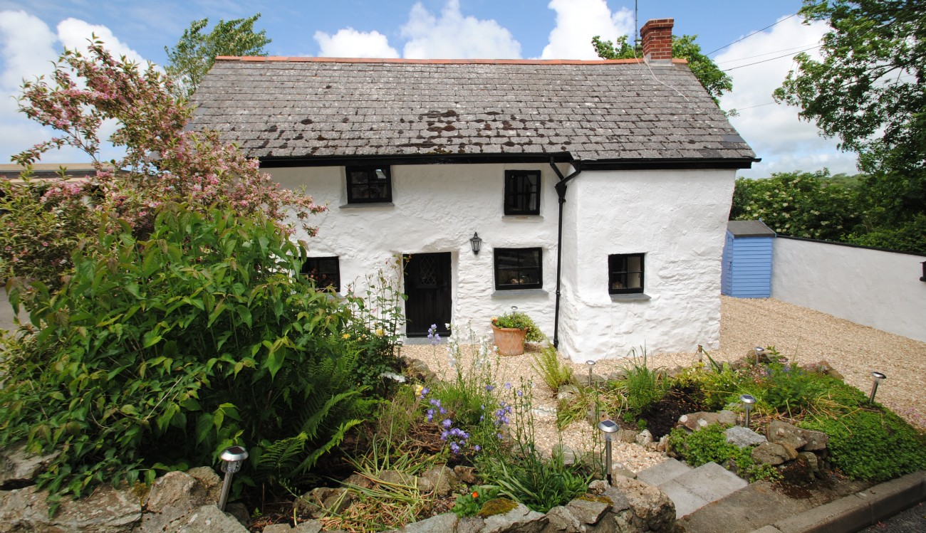 Charming characterful cottage for sale near Newquay, characterful cottage for sale near newquay- Tipsy Cottage