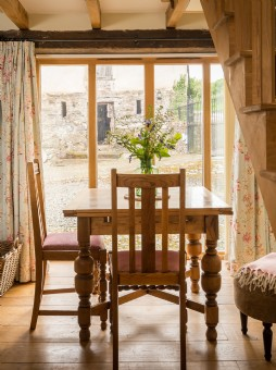 Luxury self-catering cottage in Devon for two