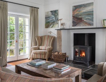 Luxury self-catering dog-friendly cottage near Tintagel