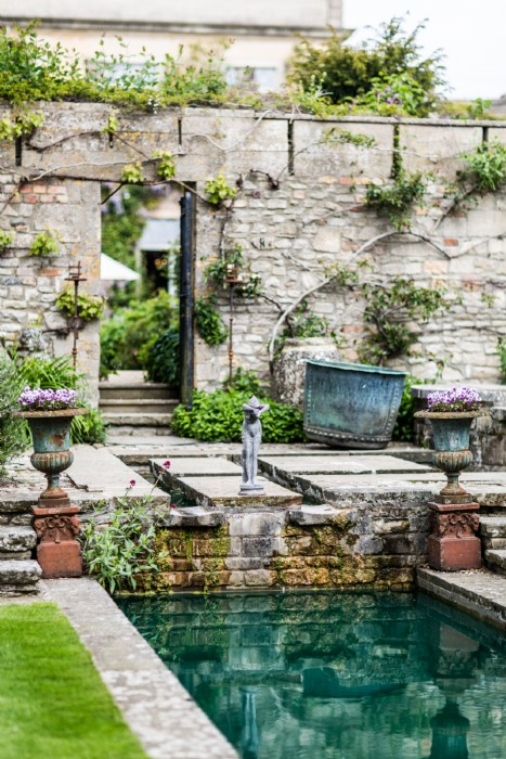 The Lost Orangery Is A Romantic Wedding Venue In Cotswolds
