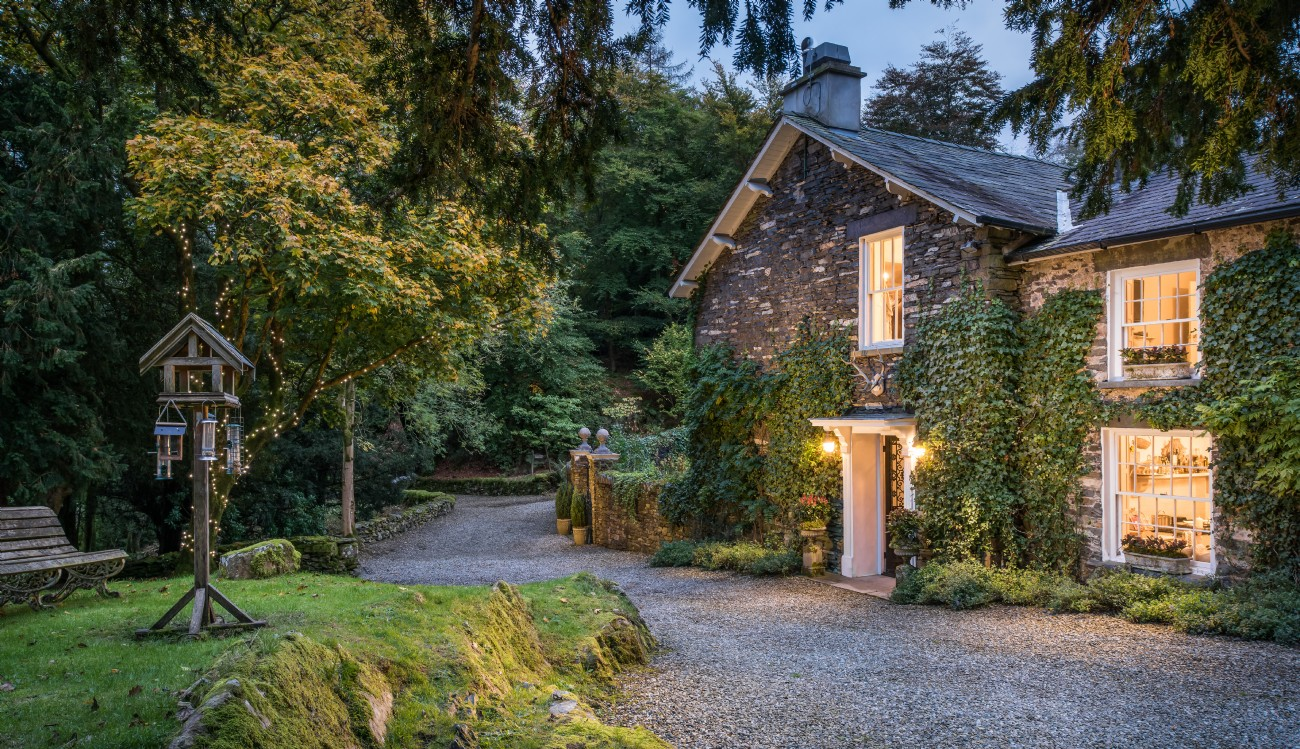 Lake Windermere Luxury Self-catering Lake House, Winterfell