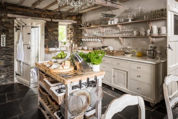 Winterfell   Luxury Self-catering Lakeside House   Lake