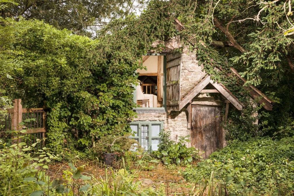 Wishbone | Luxury Self-Catering Rustic Hideaway | Malvern Hills