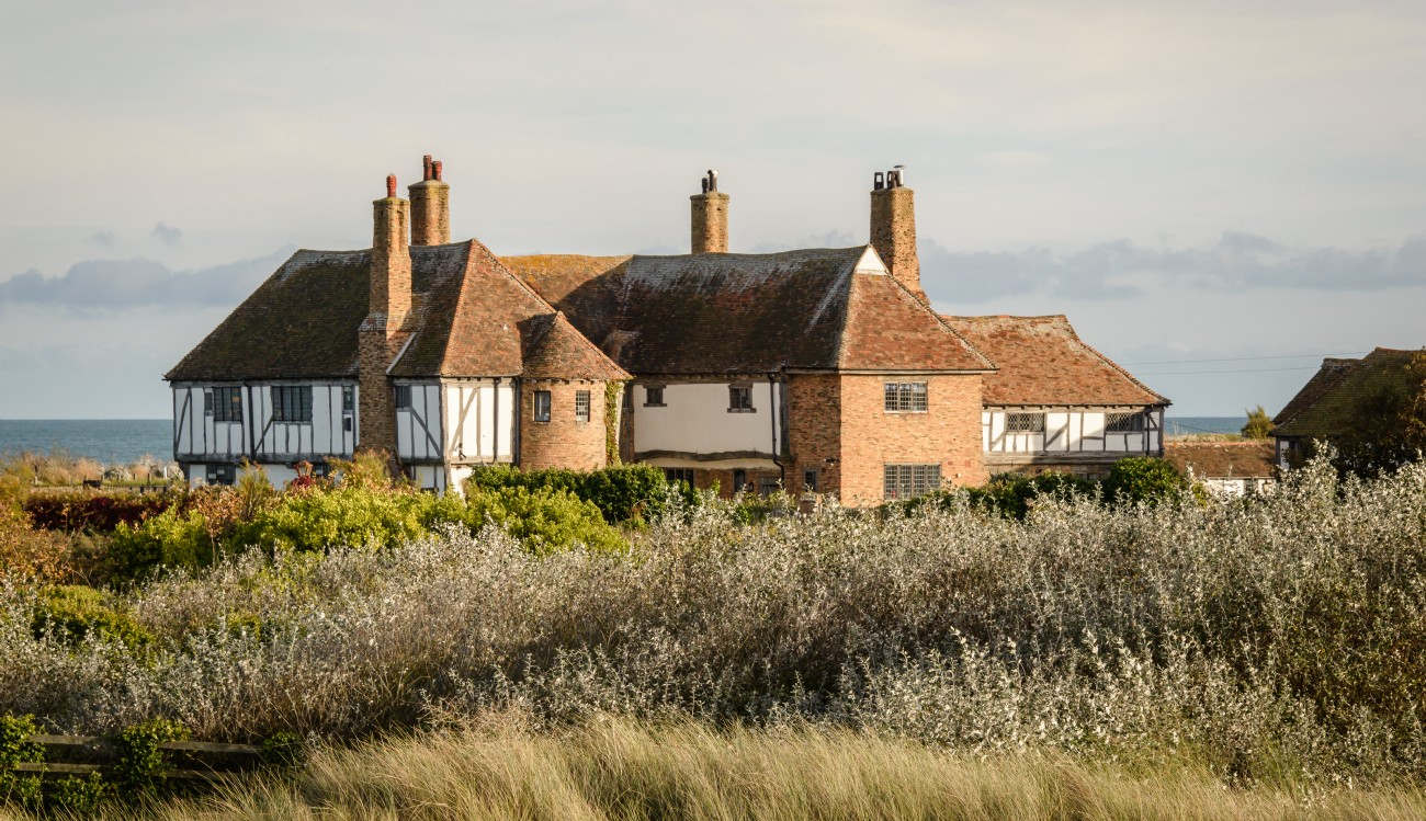 Large luxury self-catering holiday home in Sandwich Bay, Kent