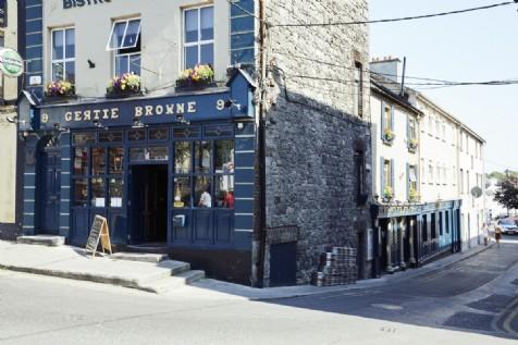 Gertie Brownes, Athlone