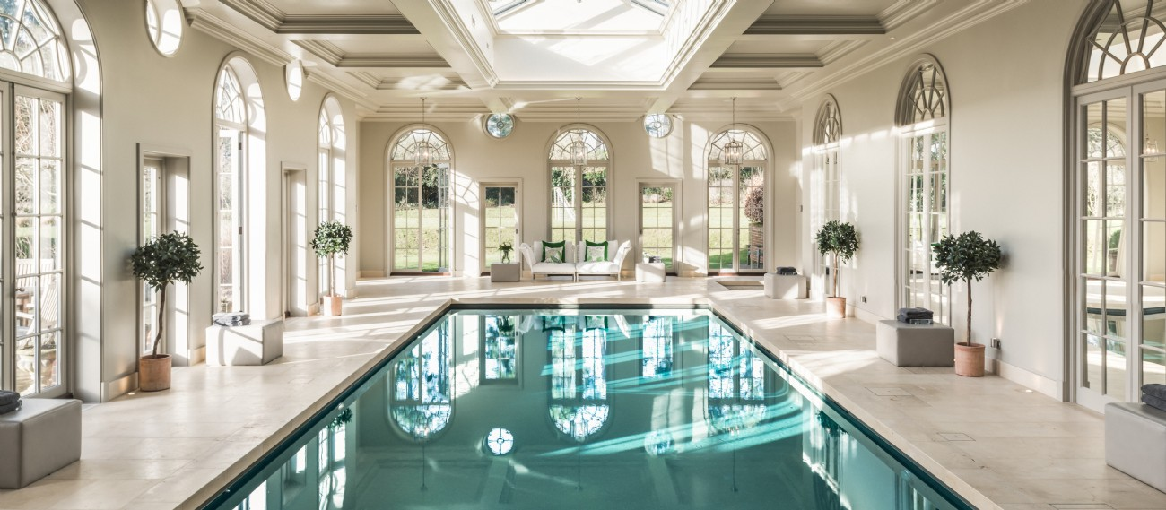 Ariabelle - Luxury Self-Catering Manor with Indoor Pool in Stedham, West Sussex