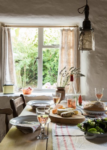 woodcutter's rustic self-catering hideaway in Cornwall