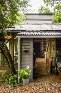 Unique eco-friendly cottages in the UK