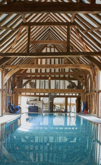 Country houses with indoor swimming pools in Surrey