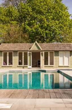 Large holiday country houses with swimming pools uk - Large holiday homes with swimming pool ...
