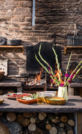 Bespoke gourmet dinner party for that unique home celebration