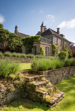 Exclusive Luxury Country Manor Houses in the Cotswolds