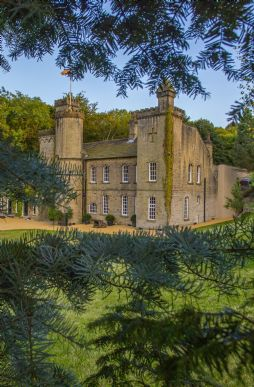 Exclusive self-catering manor houses in Britain