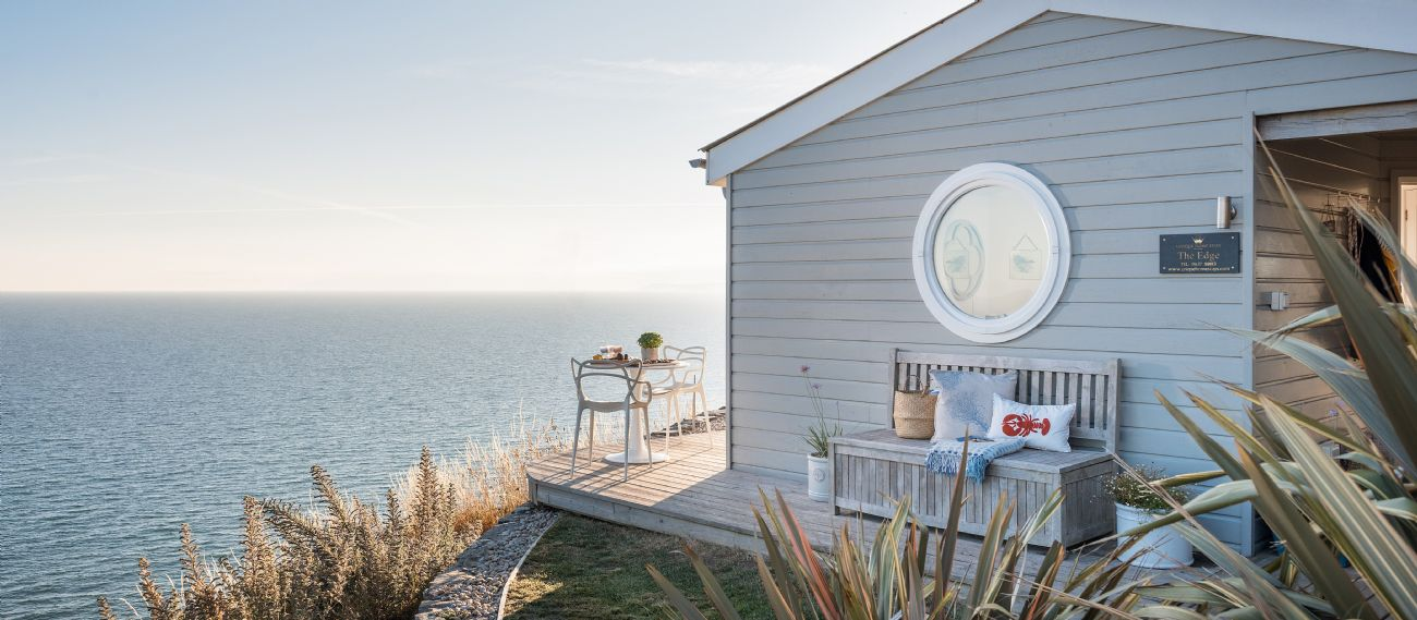 Strange Coastal Retreats Luxury Coastal Cottages Beutiful Home Inspiration Xortanetmahrainfo